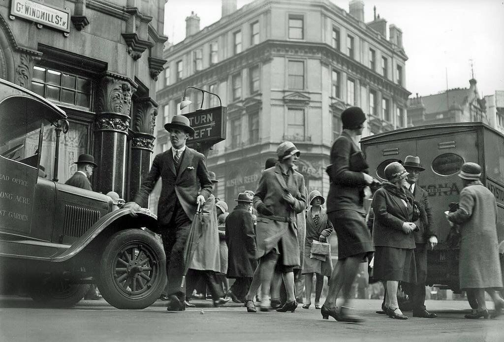 Oxford Street, London in the 1930's