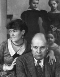 Hopper with his wife, Josephine Nivison Hopper