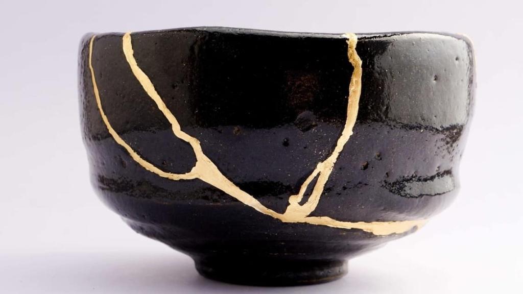 Kintsugi ceramic bowl